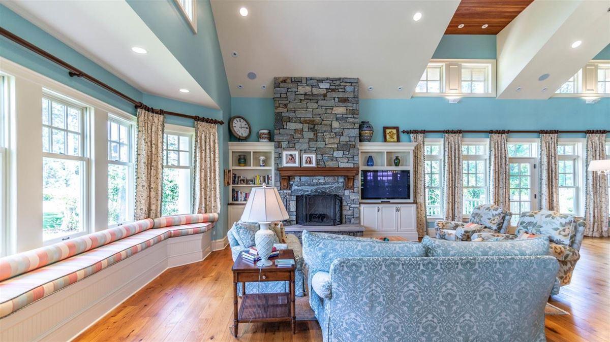 Luxury properties Cavanaugh Lake property with views