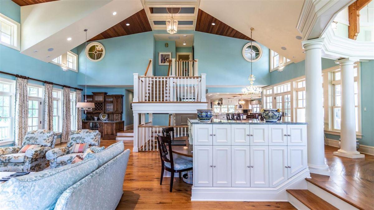 Cavanaugh Lake property with views luxury properties