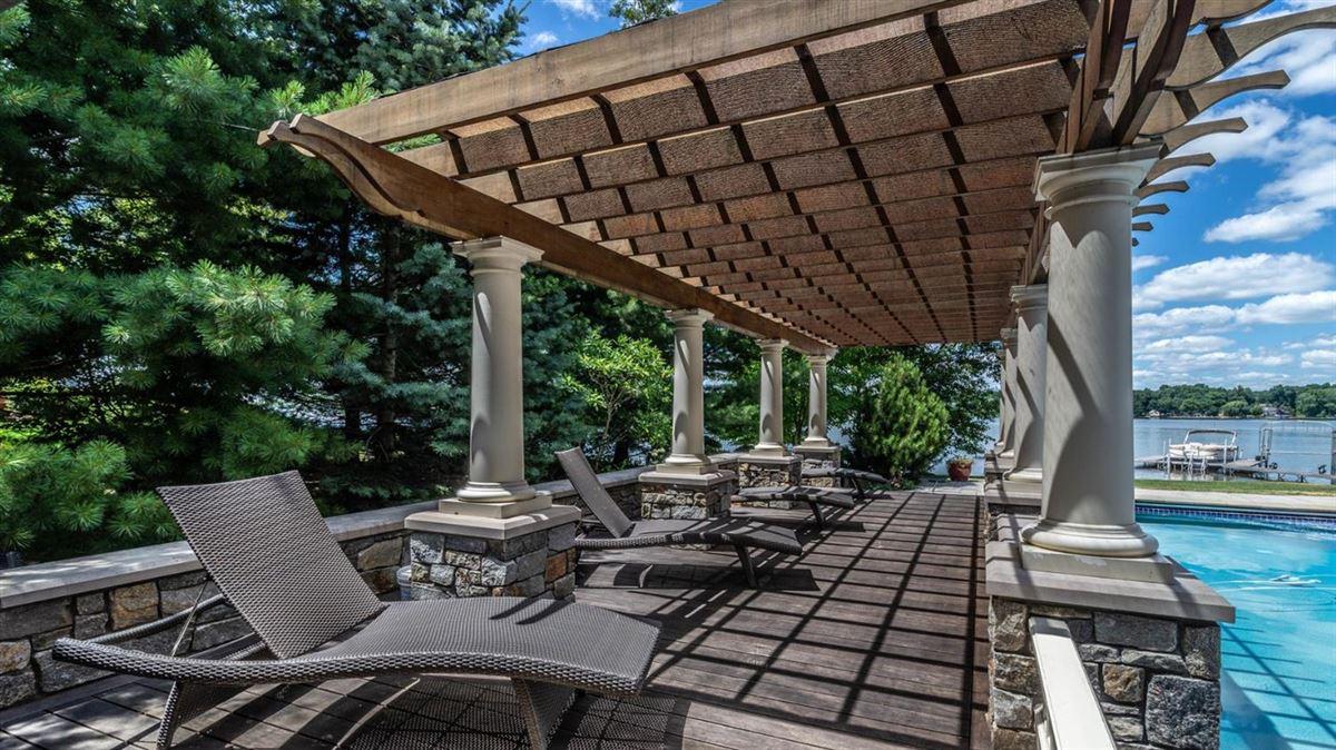 Luxury real estate Cavanaugh Lake property with views