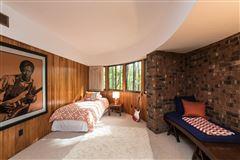 Luxury homes terrific Mid-Century home