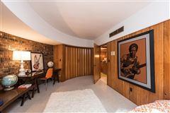 terrific Mid-Century home luxury homes