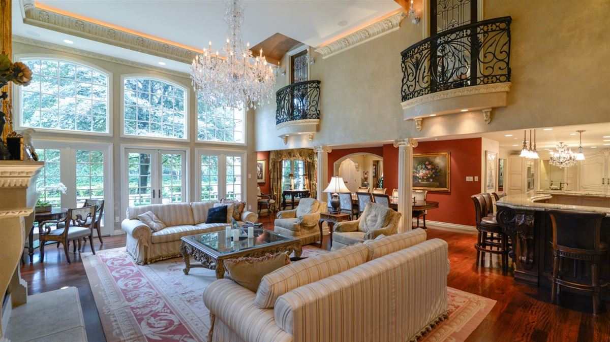 Mansions exceptional two-acre private estate