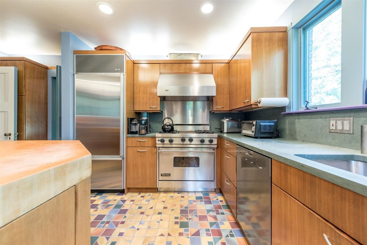 Luxury homes thoughtfully maintained and updated arboretum area home