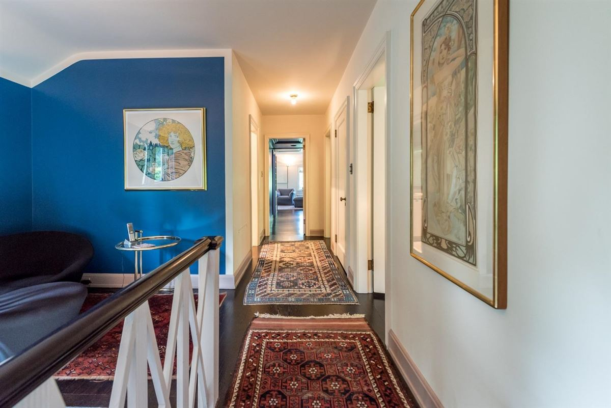 thoughtfully maintained and updated arboretum area home mansions