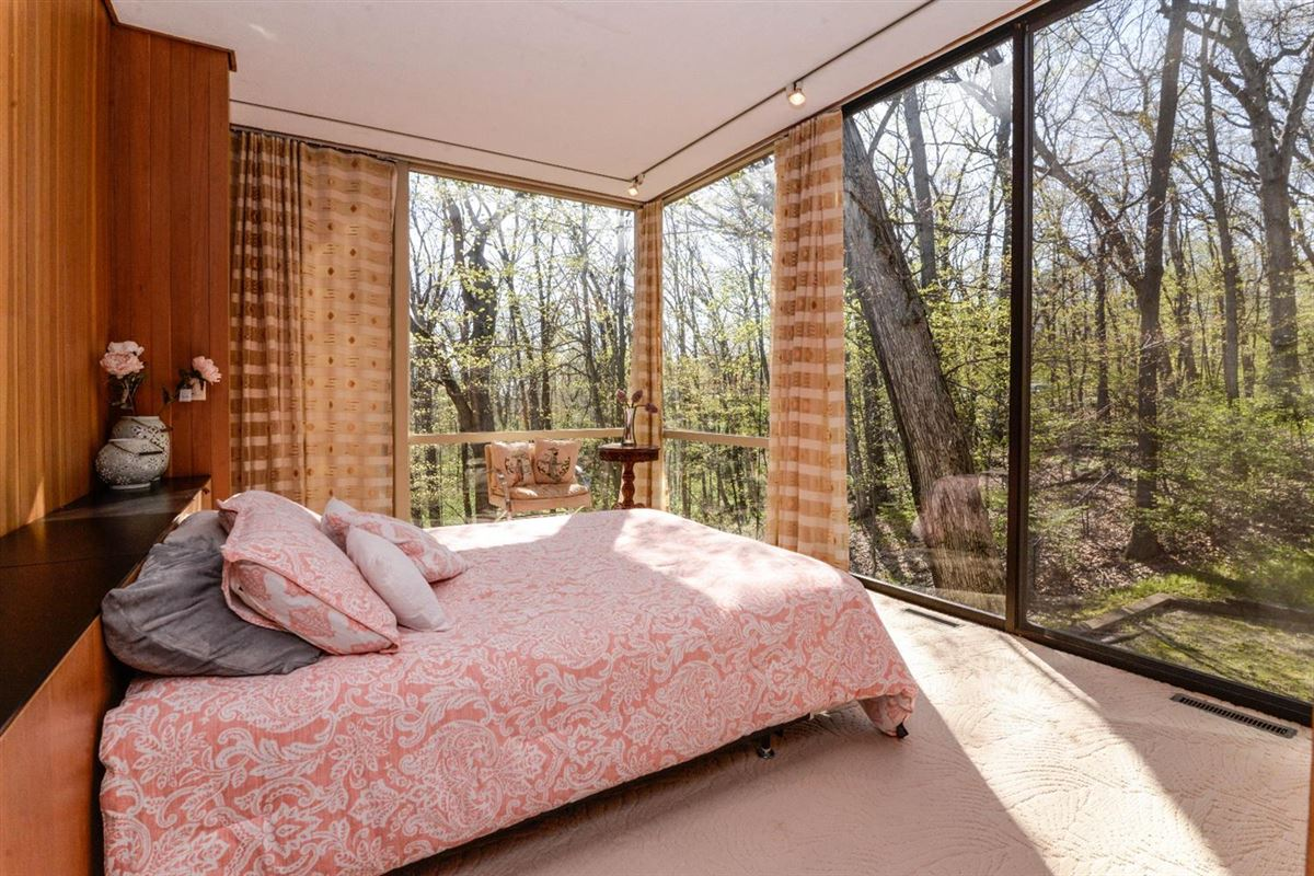 Luxury properties wooded lot in the heart of Barton Hills