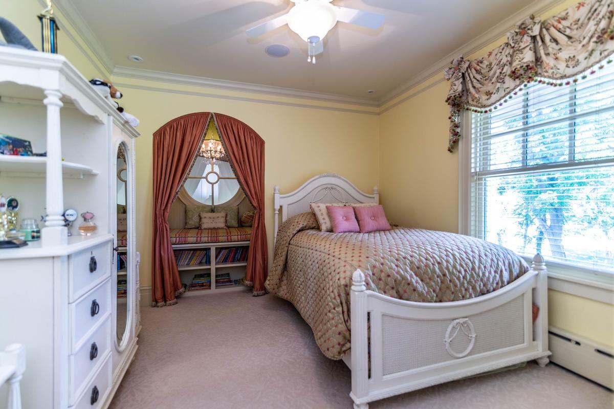 Luxury homes 423 Glazier