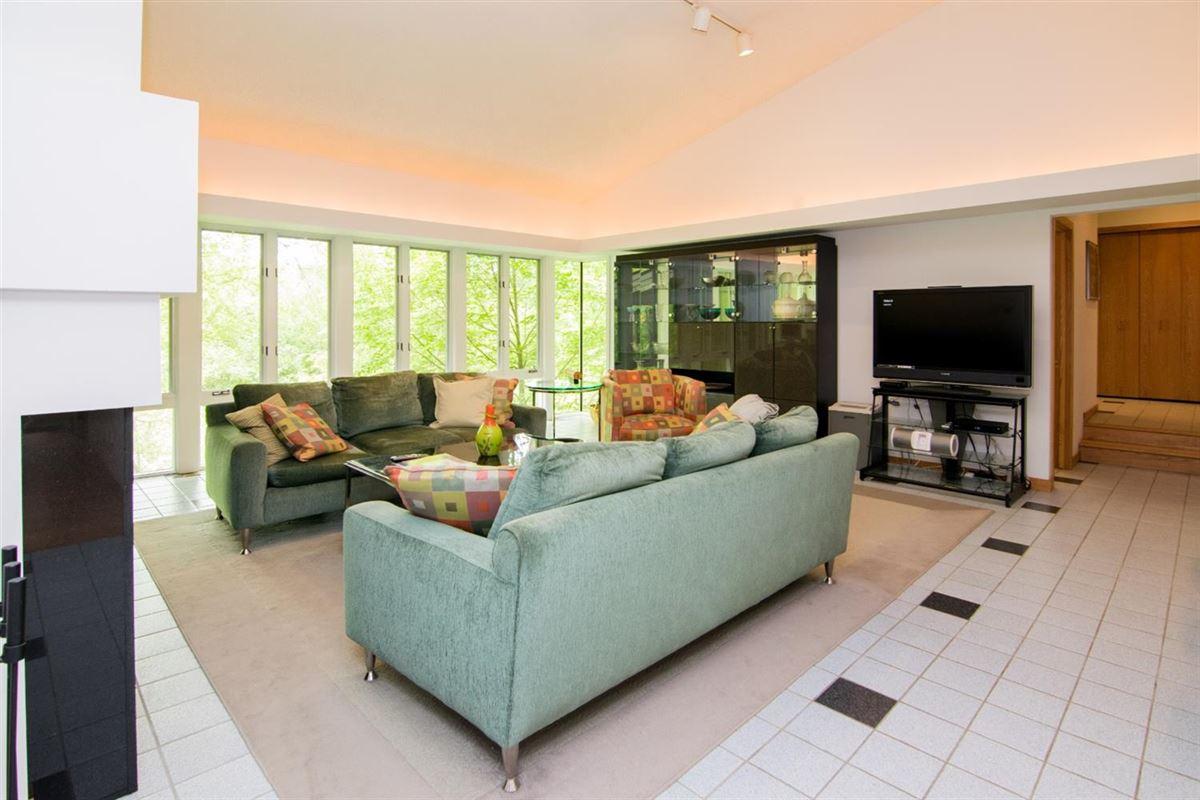 Luxury homes stunning Contemporary in Matthaei Farms