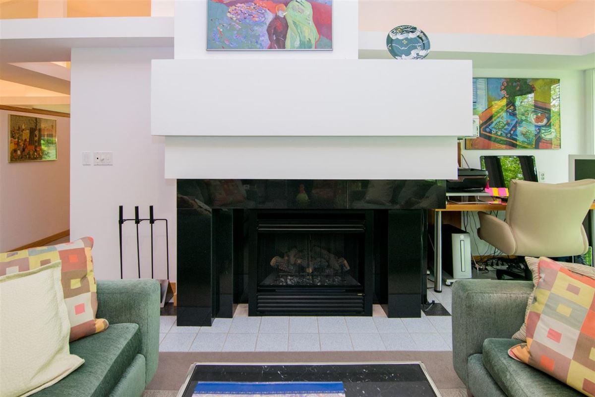 stunning Contemporary in Matthaei Farms luxury homes