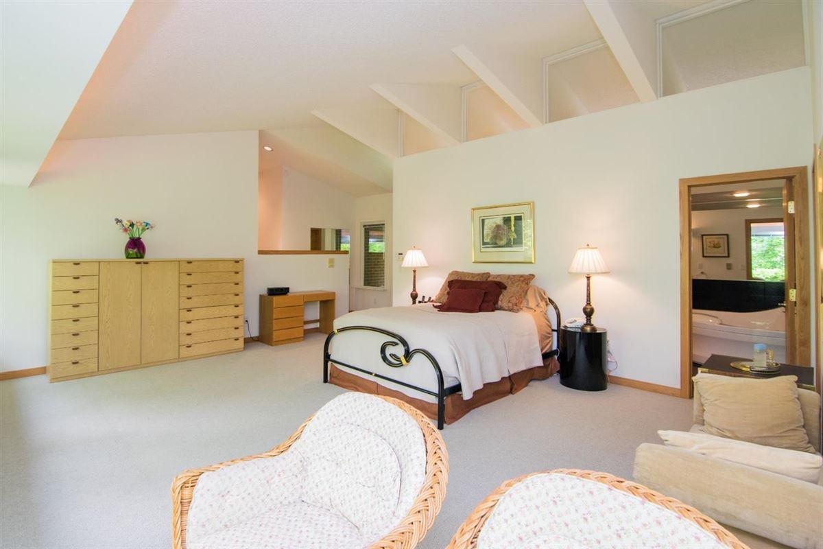stunning Contemporary in Matthaei Farms luxury properties
