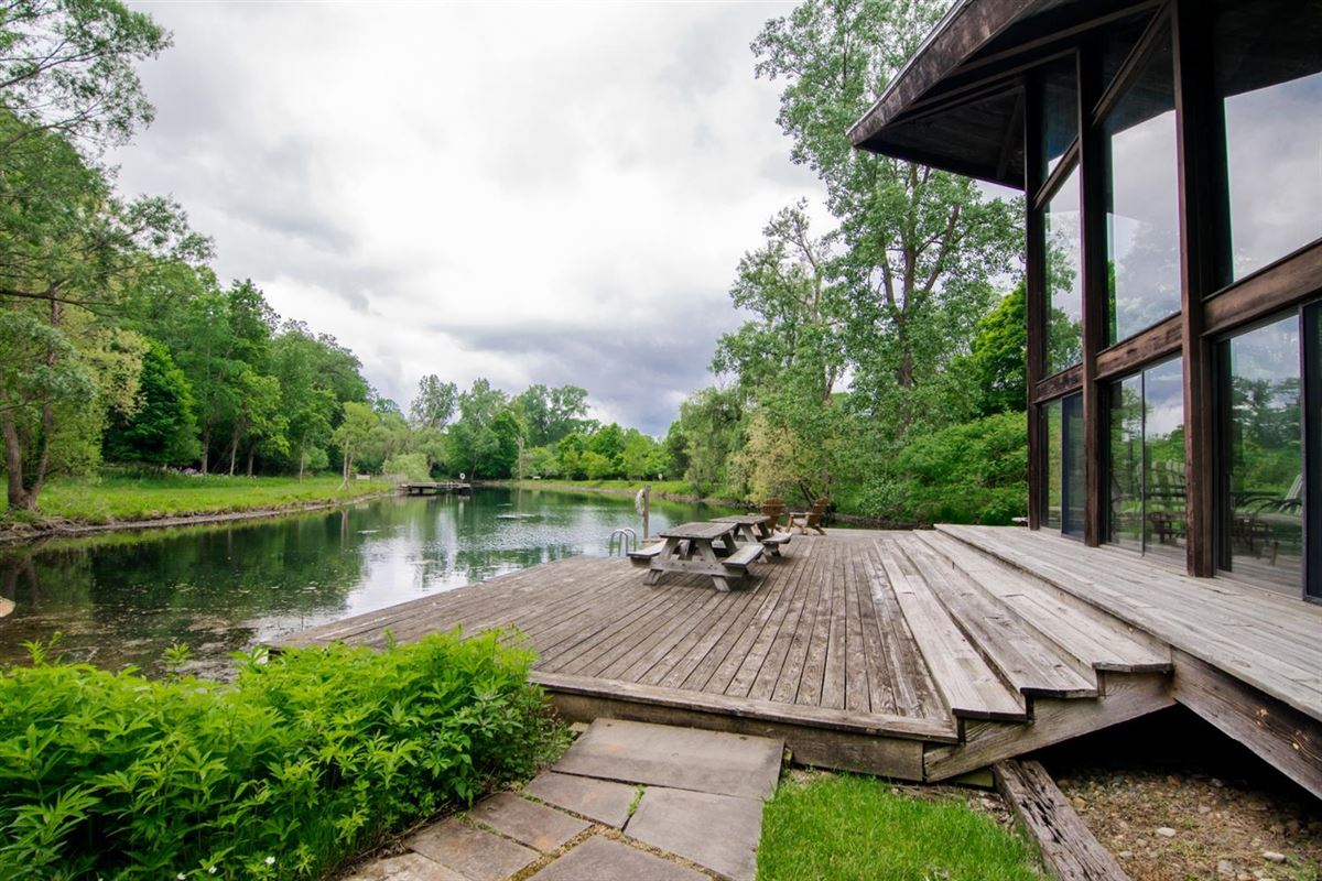 Luxury homes in stunning Contemporary in Matthaei Farms