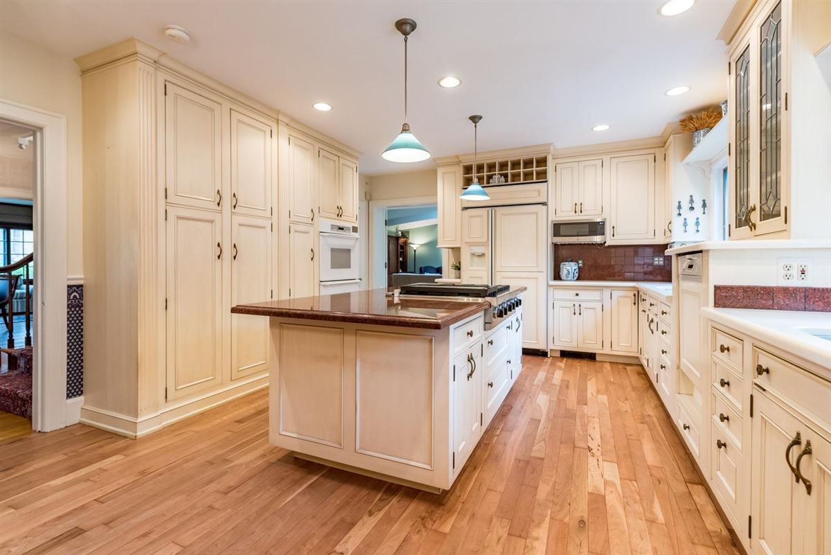 lovingly maintained home luxury real estate