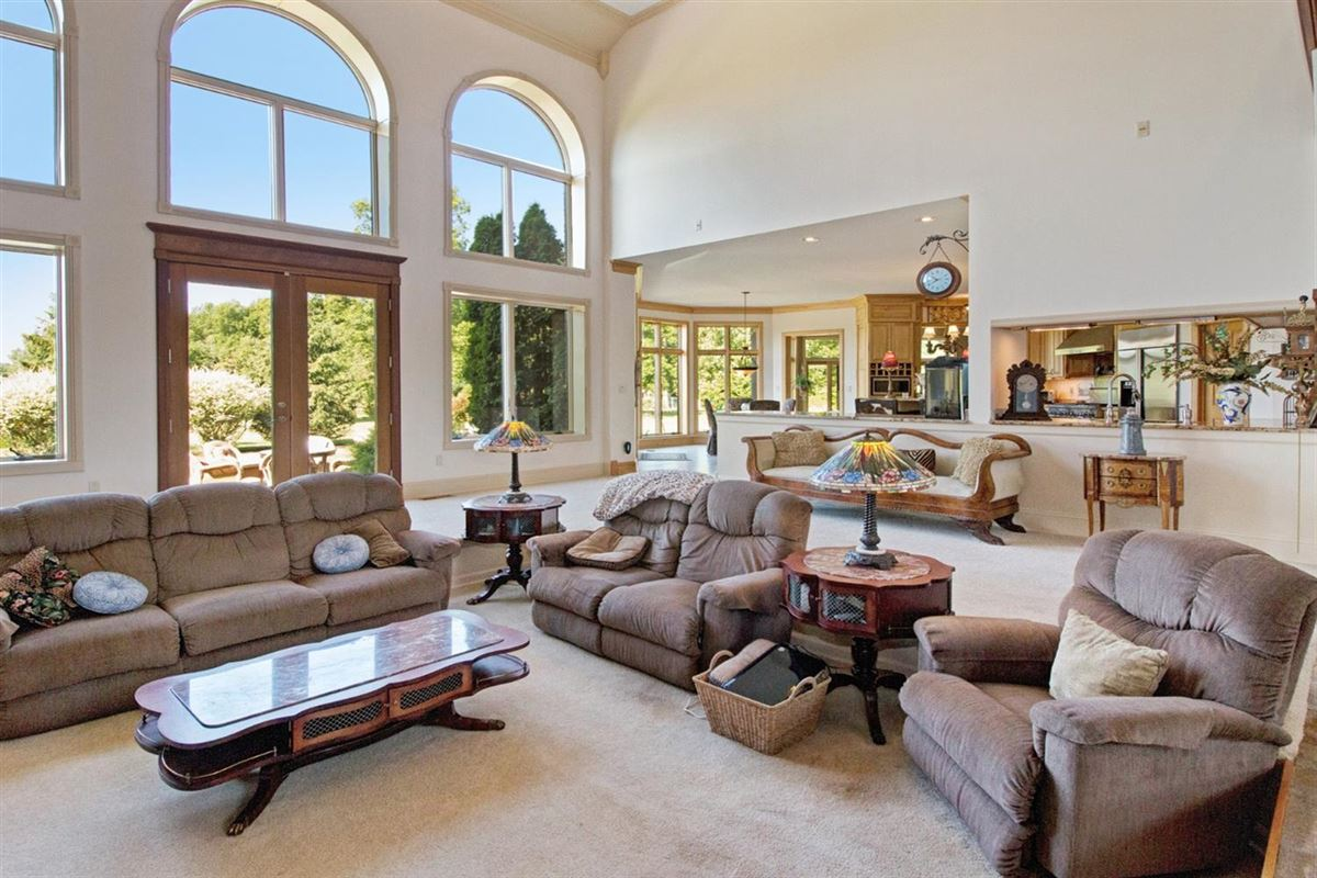 Luxury properties 30 acre country estate in Ann Arbor