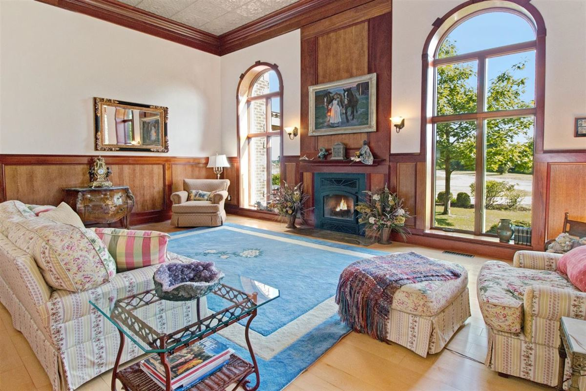 30 acre country estate in Ann Arbor luxury real estate