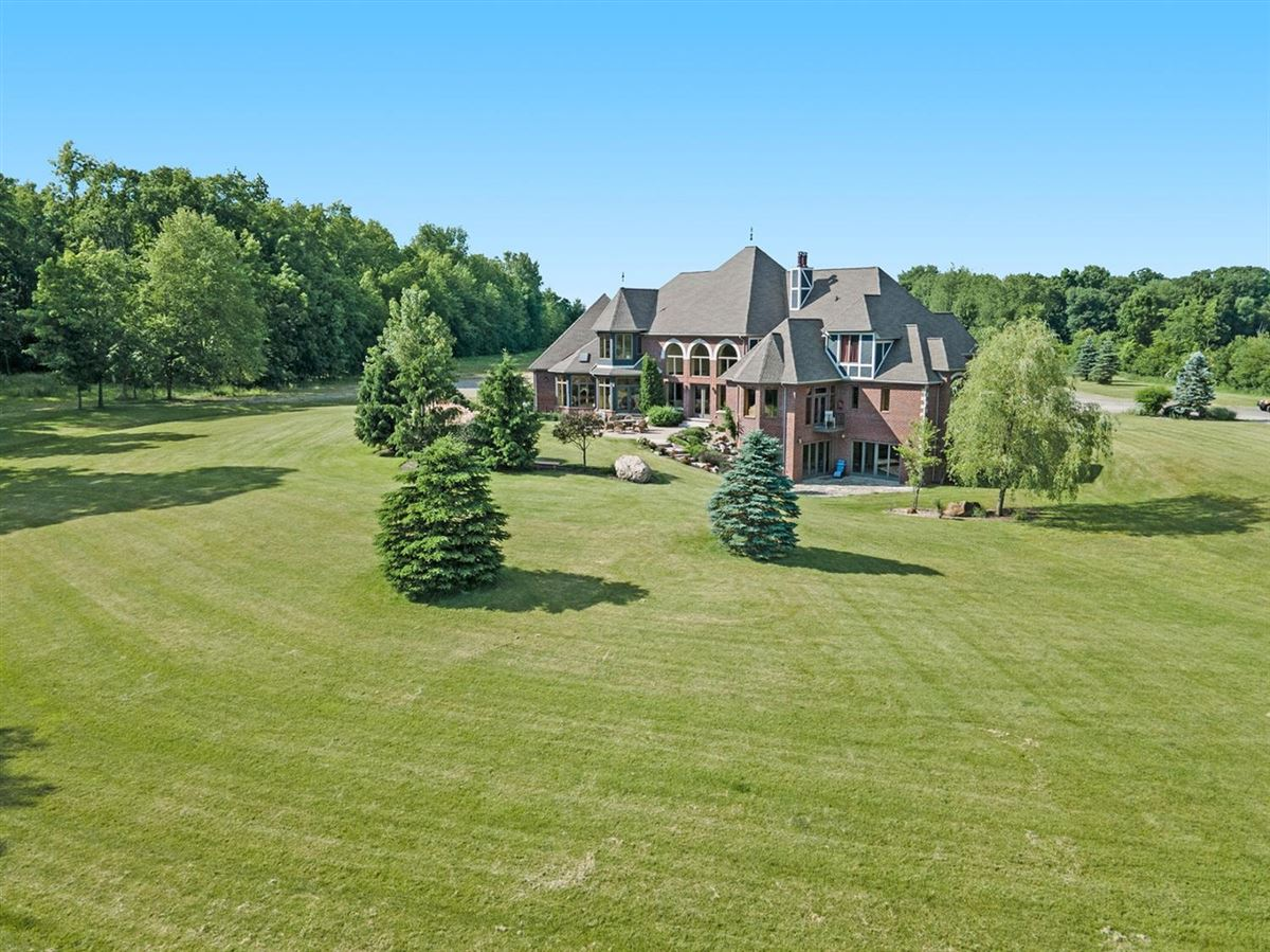 Mansions 30 acre country estate in Ann Arbor