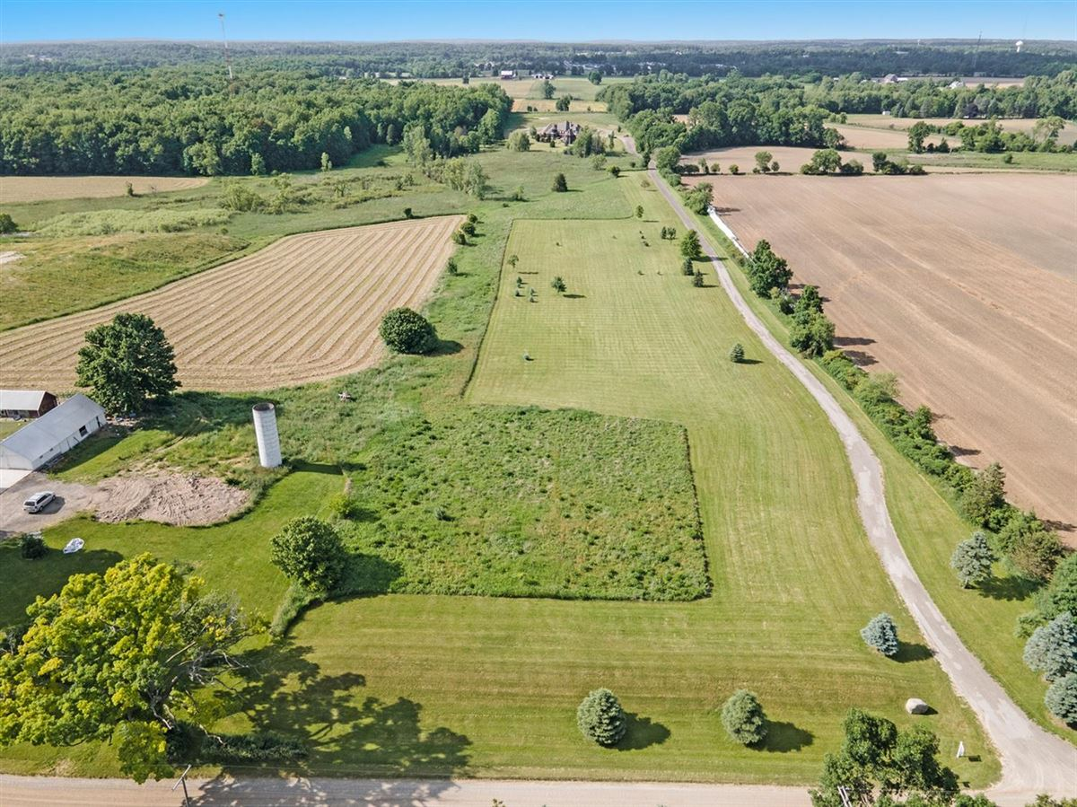 30 acre country estate in Ann Arbor luxury homes