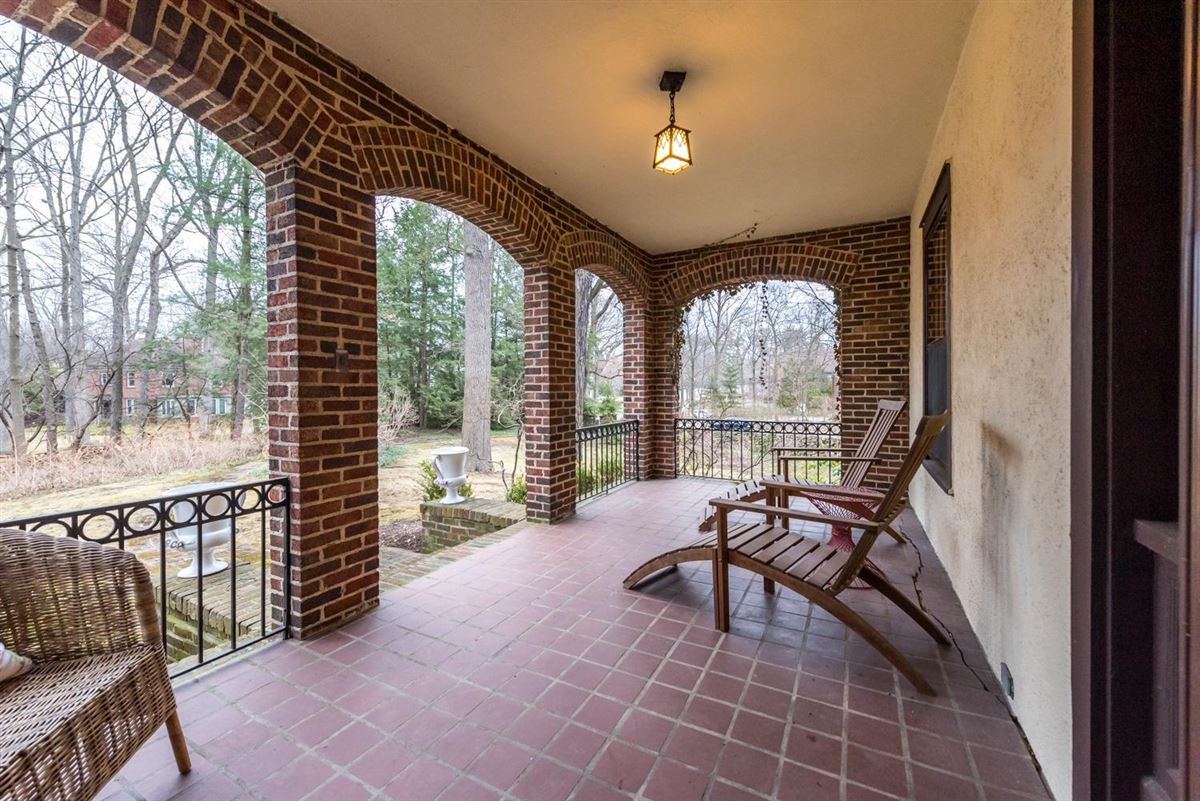 Luxury properties special 1915 home in ives woods
