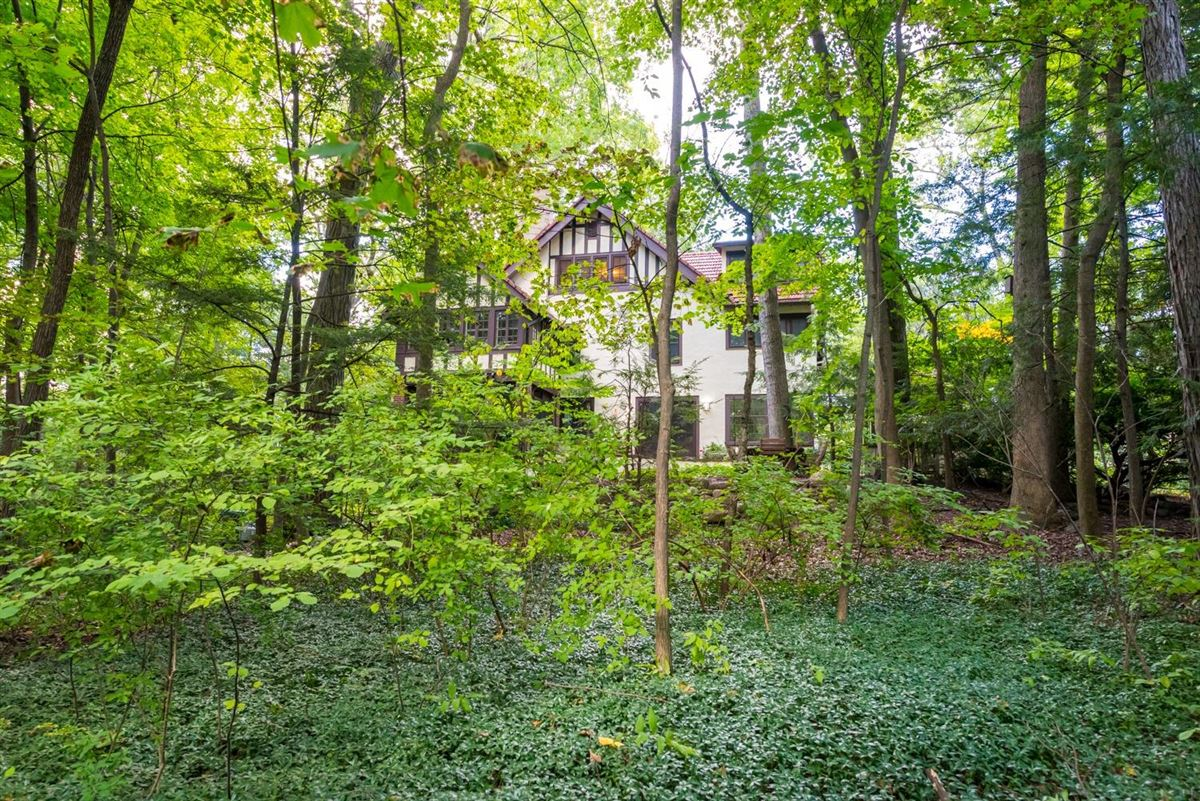 special 1915 home in ives woods mansions