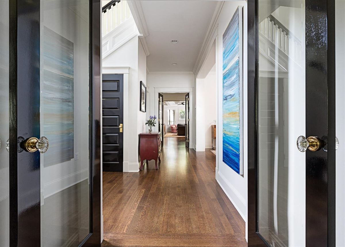 renovated and updated 1894 Queen Anne Victorian mansions