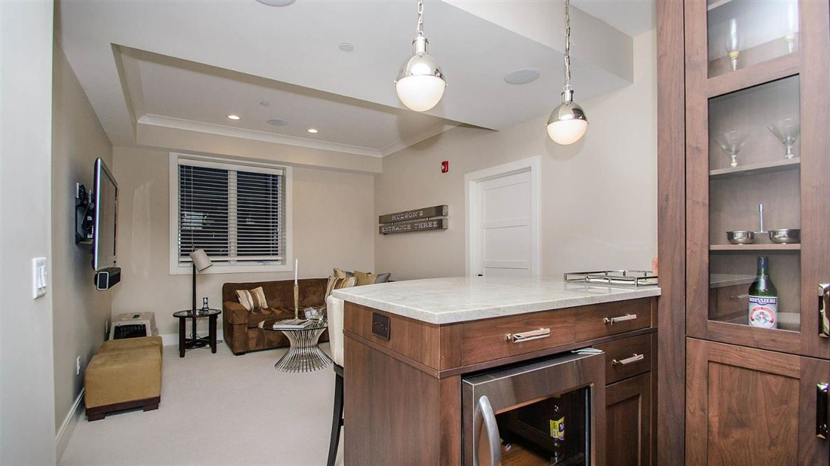 Luxury properties  luxurious condominium in kerrytown