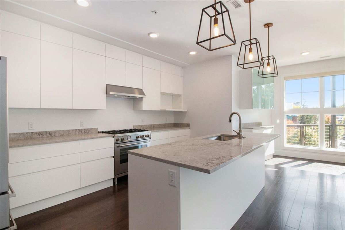 Luxury homes stunning new construction Kingsley condo