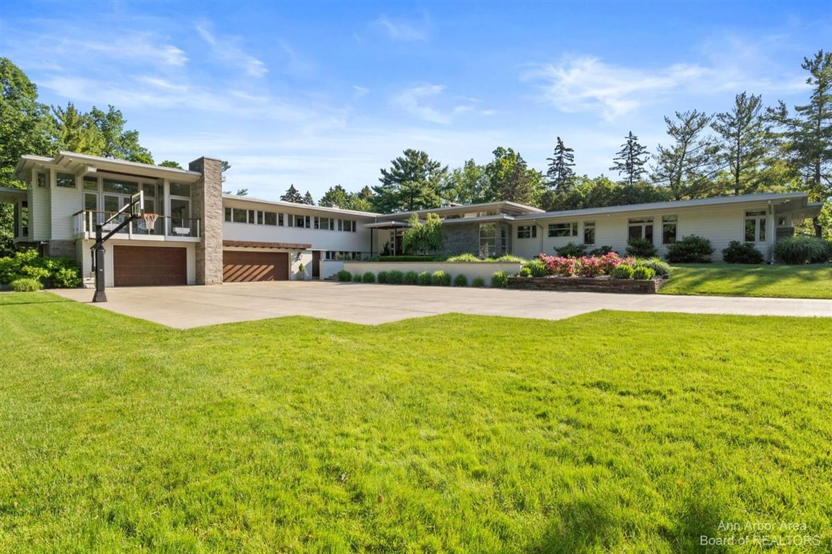 Mansions in Timeless Mid-Century luxury home on two private acres