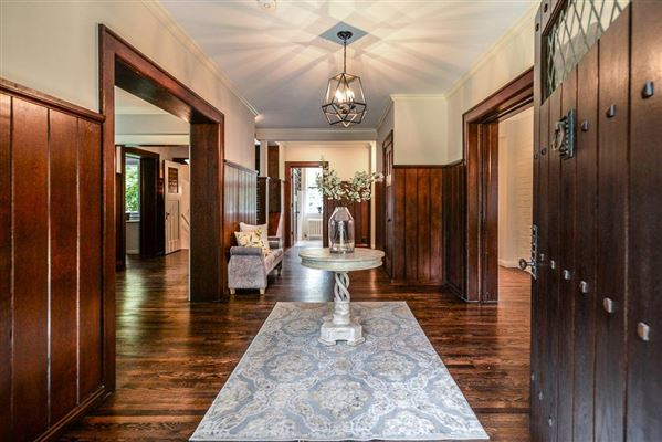 Luxury real estate historic home in the heart of Burns Park