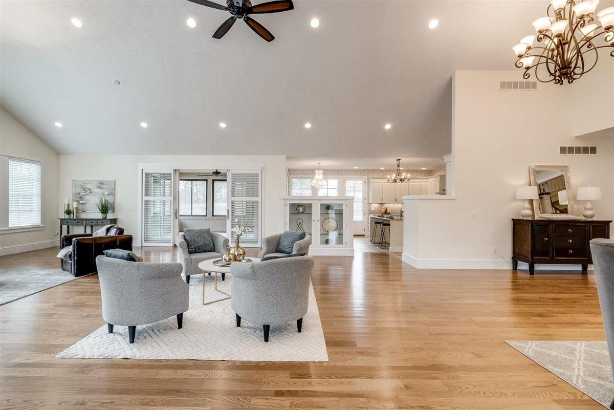 Luxury properties incredible estate on 15.85 acres