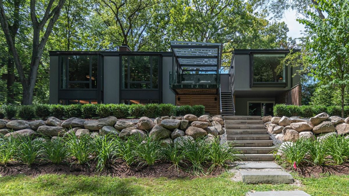 Luxury homes in a modern gem