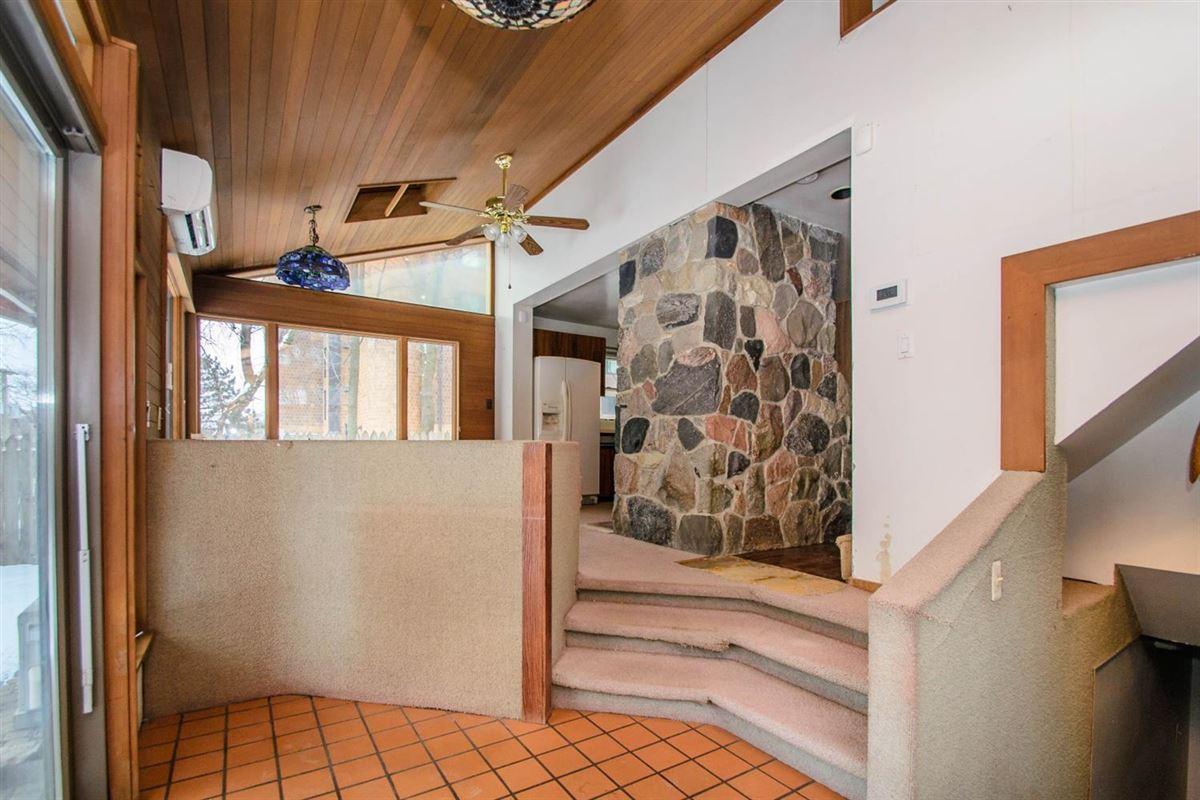 Luxury properties turn-of-the-20th-century home
