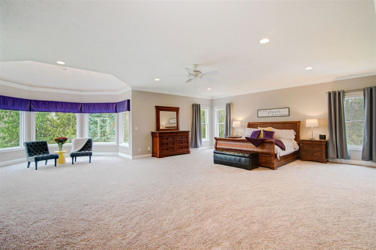 gorgeous executive property in Whitehills Woods luxury properties
