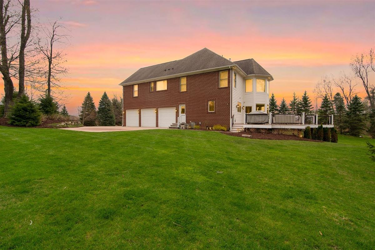 Luxury properties gorgeous executive property in Whitehills Woods