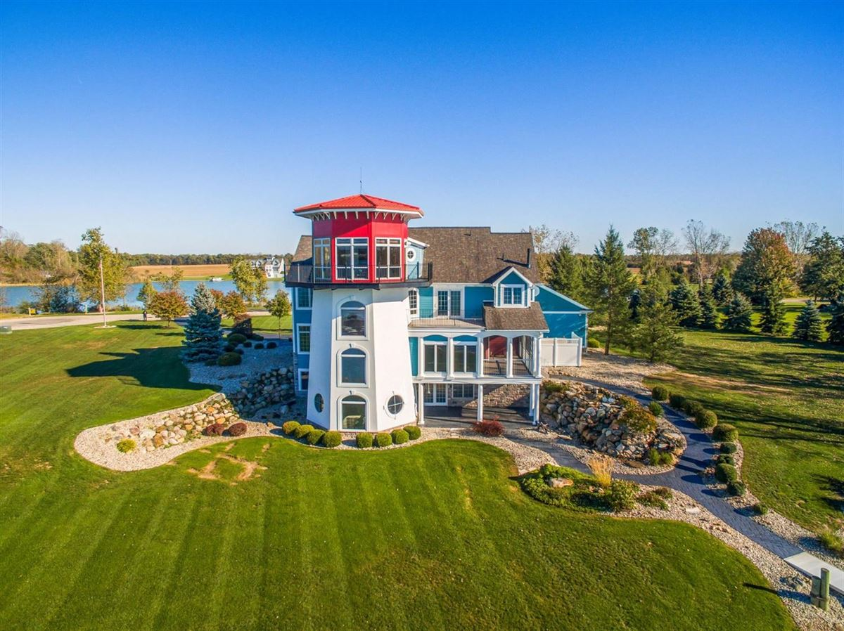 Luxury homes your own modern lighthouse
