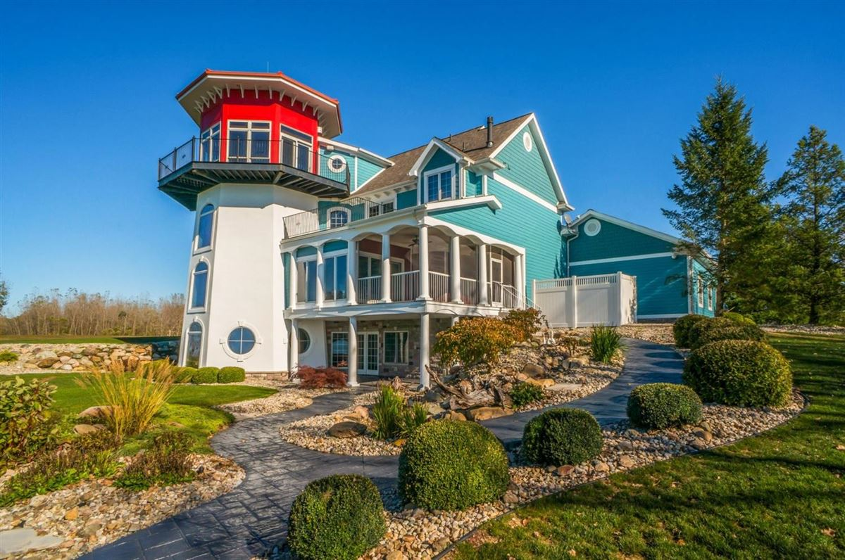 Luxury properties your own modern lighthouse