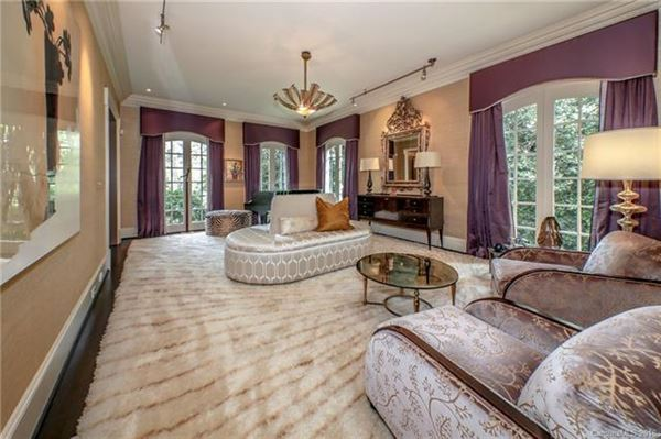 Impressive Home Has a Sweeping Front Lawn luxury real estate