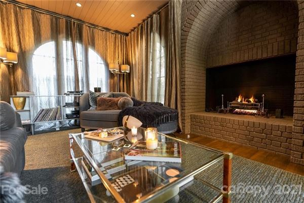 Luxury properties private light-filled historic estate in dilworth
