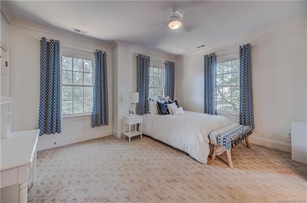Luxury homes beautifully spacious home in the heart of Myers Park