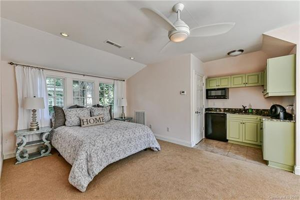 Luxury real estate beautifully spacious home in the heart of Myers Park