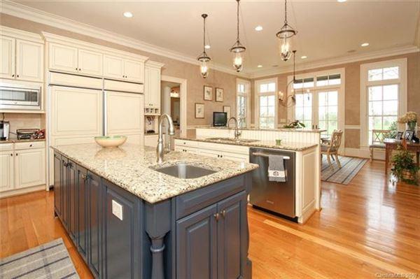 classic custom home  mansions