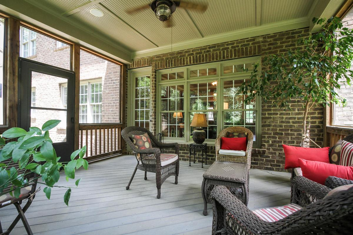 Luxury homes STUNNING BRICK HOME IN SPRINGFIELD