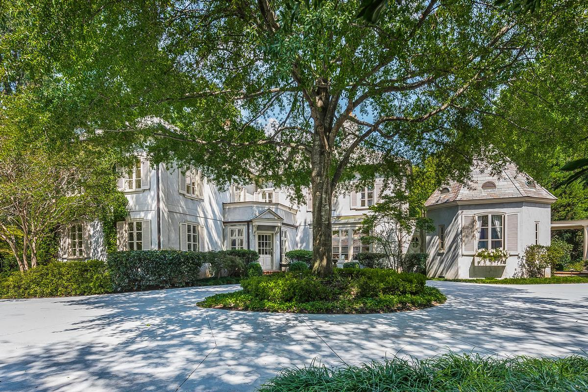 Luxury real estate Rare Estate in Myers Park