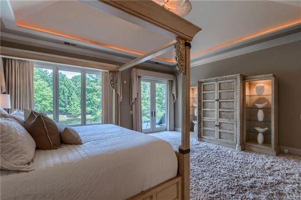 Luxury homes in A hidden gem in the heart of Weddington