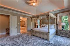 A hidden gem in the heart of Weddington luxury real estate