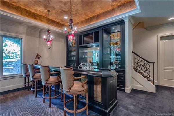 Luxury properties A hidden gem in the heart of Weddington