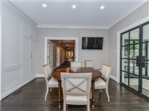 Mansions in  elegantly updated home in Foxcroft