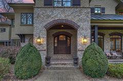 Luxury properties Saddle Creek