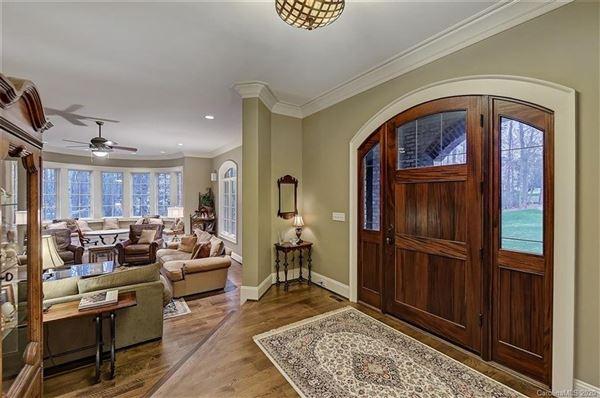 Luxury homes Saddle Creek