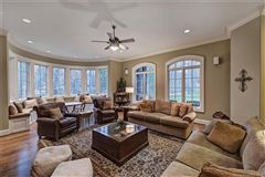 Luxury homes in Saddle Creek