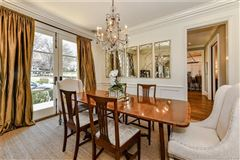Mansions gorgeous five bedroom with circular drive
