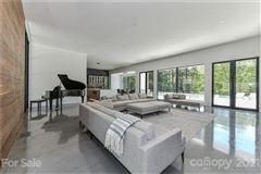 Luxury properties modern serenity in Pellyn Wood