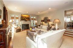Luxury properties Fabulous four bedroom home